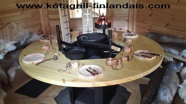 Chalet kota grill 9m v ritable chalet finlandais - Table ronde telescopique ...